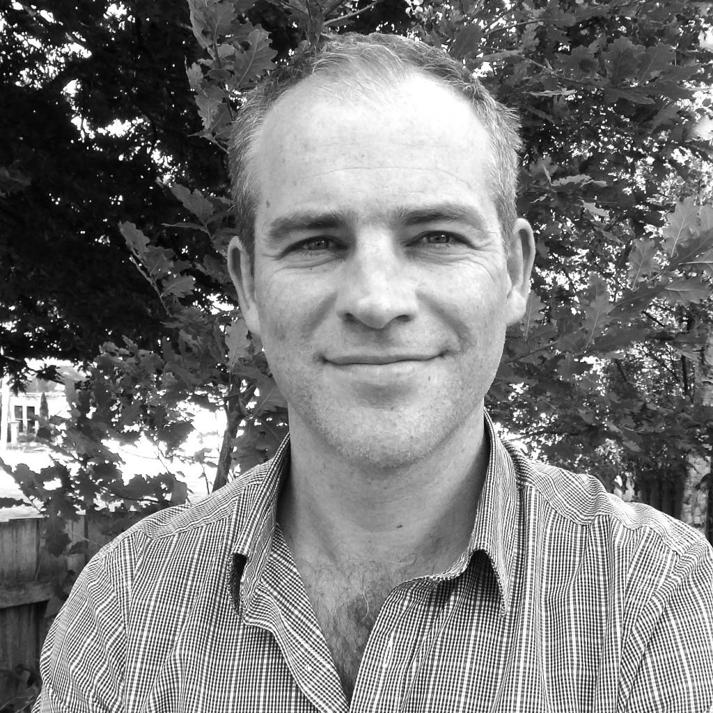 Dr Michael Bremner
